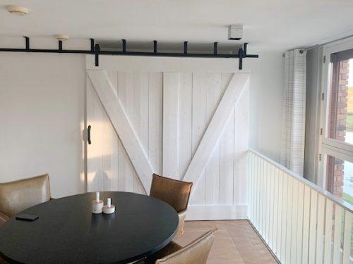 Schuifdeursysteem voor plafond