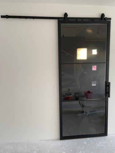 Stalen schuifdeur 3 vlakken (ROOKGLAS) + Systeem photo review